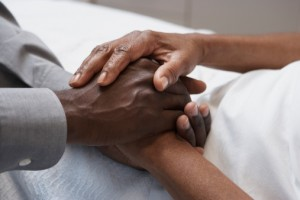 Holding -hands _palliative -care _oncology -news -australia -300x 200